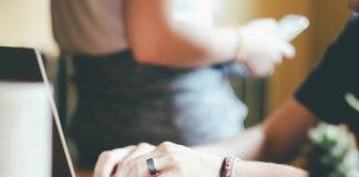 Jak szukać ofert pożyczkowych online?
